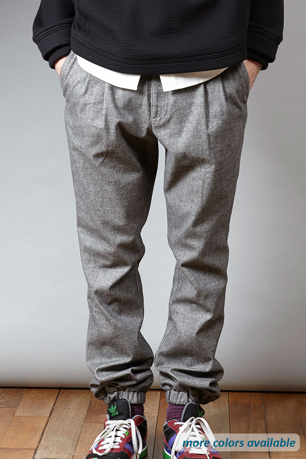 Grey woven jogger pant | Sustainable menswear