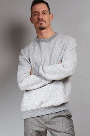 Grey luxurious sweater | Sustainable menswear